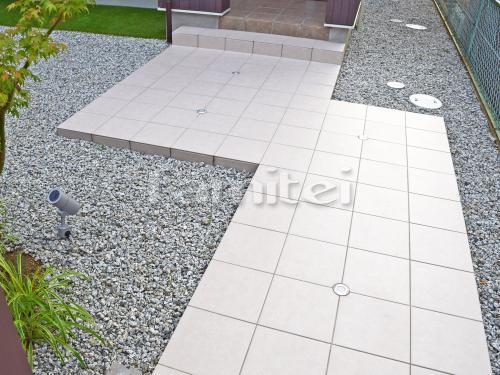 玄関アプローチ 床タイル貼り INAXイナックス マルモアート300角 MA-11 LIXILリクシル バラス砕石