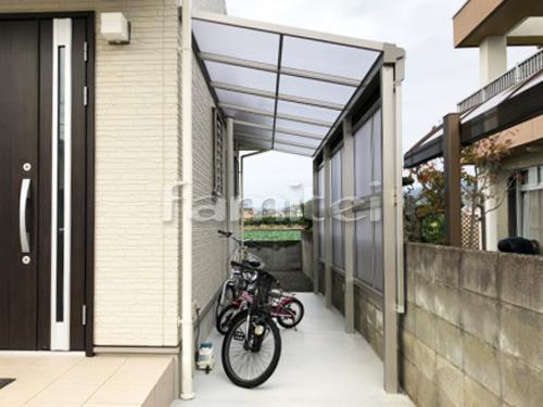 雨除け屋根 YKKAP ソラリアテラス屋根 1階用 F型フラット屋根 目隠しパネル(前面 正面)