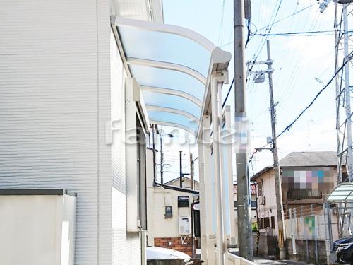 雨除け屋根 YKKAP ソラリアテラス屋根 1階用 R型アール屋根 目隠しパネル(前面 正面)
