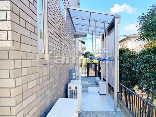 雨除け屋根 YKKAP ソラリアテラス屋根 1階用 F型フラット屋根 物干し 土間コンクリート