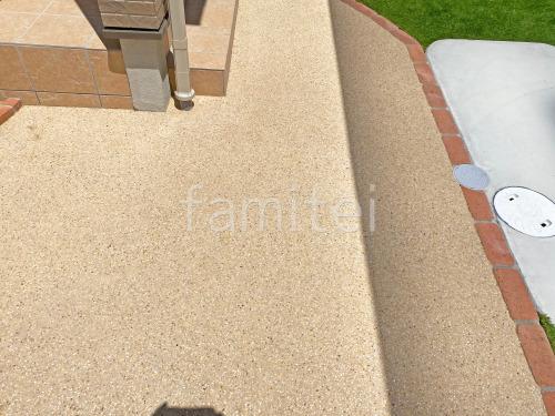 玄関アプローチ 床洗い出し仕上げ 四国化成 リンクストーン カモミール