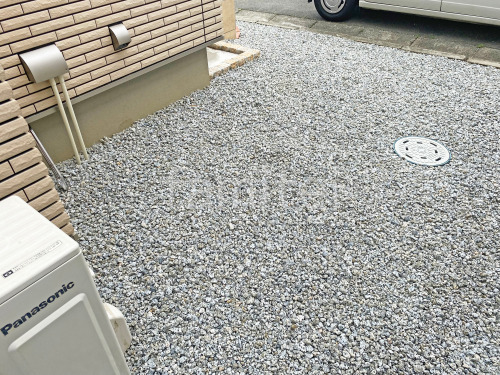 犬走り 防犯砂利敷き バラス砕石 防草シート加工