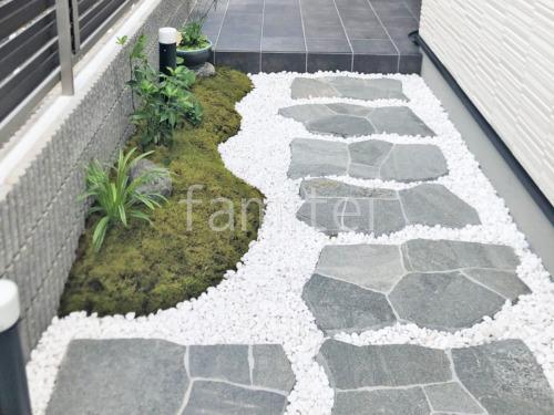 玄関アプローチ 床石貼り 乱形石 石英岩 化粧砂利敷き