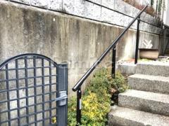施工例画像:玄関階段手摺り(手すり) LIXILリクシル グリップライン