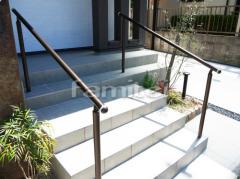 施工例画像:玄関まわり 手すり YKKAP パルトナーUD1型