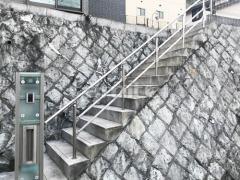 施工例画像:玄関ポーチ手摺り(手すり) LIXILリクシル グリップライン