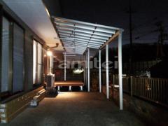 施工例画像:雨除け屋根 YKKAP ソラリアテラス屋根 1階用 積雪50cm対応 F型フラット屋根 物干し