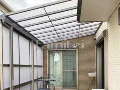 施工例画像:雨除け屋根 LIXILリクシル スピーネ 1階用 F型フラット屋根 目隠しパネル(前面 正面) 2段