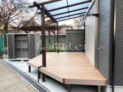 施工例画像:フル木製調テラス屋根 YKKAP サザンテラス パーゴラタイプ 1階用 F型フラット屋根