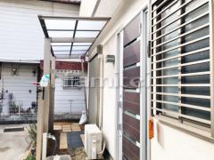 施工例画像:洗濯干し屋根 LIXILリクシル 独立式フーゴF 1階用 F型フラット屋根 物干し