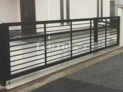 施工例画像:電動跳ね上げ式門扉 LIXILリクシル ワイドオーバードアS1型 横2台用 アップゲート