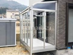 施工例画像:ガーデンルーム YKKAP ソラリア サンルーム R型アール屋根 物干し