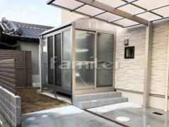 施工例画像:ガーデンルーム YKKAP 目隠し ソラリア サンルーム R型アール屋根 物干し 網戸(正面 両側面)
