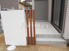 施工例画像:タイルデッキ LIXILリクシル グレイスランド300角 三協アルミ 角柱 汎用形材70角