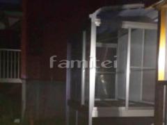 施工例画像:ガーデンルーム LIXILリクシル サニージュ R型アール屋根 積雪100cm対応 インナー人工木デッキ 網戸(両面 正面) ステップ サンルーム
