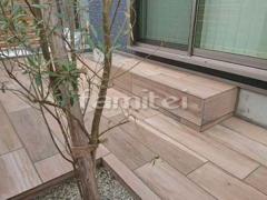 施工例画像:タイルデッキ 名古屋モザイク ソレラス800×200 貼付のみ