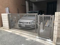 施工例画像:電動跳ね上げ式門扉 LIXILリクシル オーバードアS2型 1台用 アップゲート 伸縮門扉撤去 門扉
