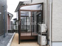 施工例画像:ガーデンルーム YKKAP ソラリア サンルーム R型アール屋根 物干し 網戸(正面 両面) 大引き仕様