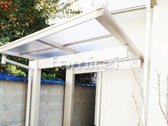 施工例画像:自転車バイク屋根 YKKAP エフルージュグランミニ 駐輪場屋根 サイクルポート F型フラット屋根 特殊加工 斜めカット