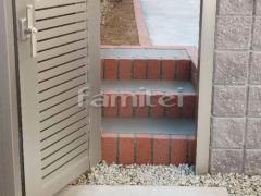 施工例画像:モルタル階段ステップ 蹴上げ縁レンガライン ユニソン ソイルレンガ210