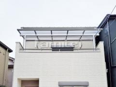 施工例画像:ベランダ屋根 YKKAP ソラリアテラス屋根 2階用 F型フラット屋根 物干し