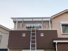 施工例画像:ベランダ屋根 三協アルミ レボリューAテラス屋根 2階用 R型アール屋根 物干し