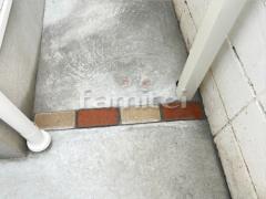 施工例画像:犬走り 土間コンクリート 見切りライン ユニソン ソイルレンガ
