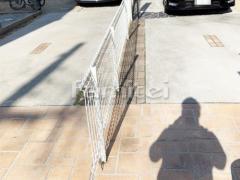 施工例画像:境界フェンス塀 LIXILリクシル ハイグリッドフェンスUF8型