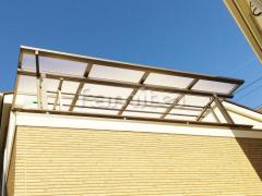 施工例画像:ベランダ屋根 LIXILリクシル スピーネ 2階用 F型フラット屋根