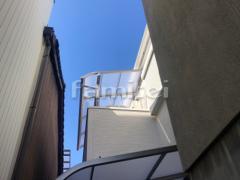 施工例画像:ベランダ屋根 LIXILリクシル スピーネ 2階用 R型アール屋根 物干し