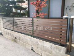 施工例画像:木製調目隠しフェンス塀 YKKAP ルシアスF04型