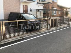 施工例画像:木製調手動跳ね上げ式門扉LIXILワイドオーバードア 玄関門扉