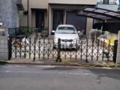 施工例画像:伸縮門扉 LIXILリクシル セレビューMA型 両開きタイプ アコーディオンゲート 既存ゲート解体撤去