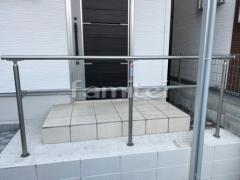 施工例画像:玄関ポーチ手摺り(手すり) LIXILリクシル アーキレール 笠木