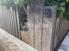 施工例画像:門柱 枕木 東洋工業TOYO レイルスリーパーラフト ビター