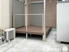 施工例画像:雨除け屋根 YKKソラリア 人工木リウッド