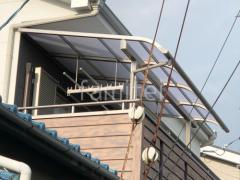 施工例画像:2階ベランダ屋根 リクシル スピーネR