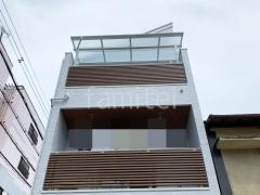 施工例画像:3階ベランダ屋根三協アルミレボリューA F