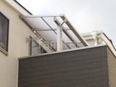 施工例画像:サイクルポートLIXIL ネスカR 2階ベランダ屋根YKK ソラリアF