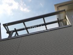 施工例画像:2階ベランダ屋根 YKK ソラリアF