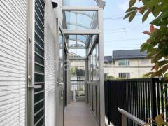 施工例画像:ガーデンルーム YKKソラリア カーポート柱