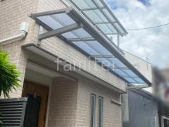 施工例画像:柱なし雨除け屋根 YKKAP スピーネF