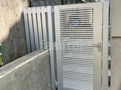 施工例画像:片開き門扉 LIXIL AB YR1型 細横桟 汎用形材