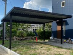 施工例画像:屋根材 折板 ガルバリウム鋼板 本体色 カームブラック