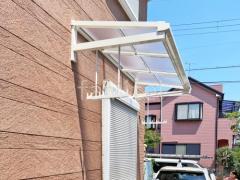 施工例画像:ベランダ屋根 YKKソラリア2階・柱なし