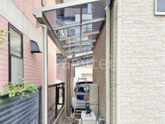 施工例画像:雨除け屋根 YKKソラリア1階