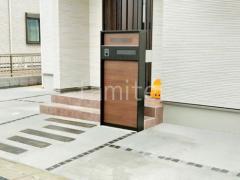 施工例画像:機能門柱 YKKAP ルシアスウォール01型