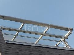 施工例画像:2階ベランダ屋根 YKK ソラリアF 物干し