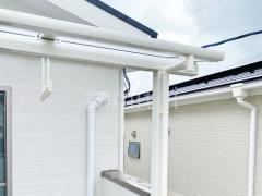 施工例画像:本体色 ホワイト 屋根色 クリアマット