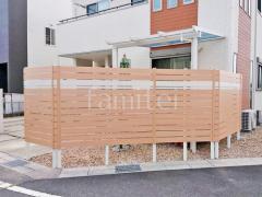施工例画像:目隠しフェンス塀 フル木製調テラス屋根